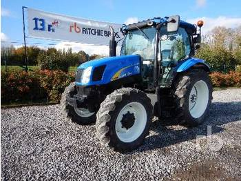 NEW HOLLAND T6010 - tractor agricola